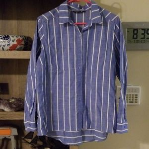 Riders by Lee Chambray Button Down/medium